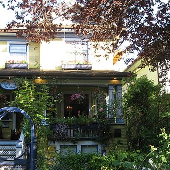 Photo of Ashby House Bed & Breakfast