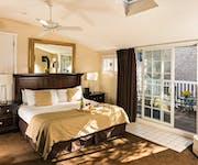 Photo of Crowne Pointe Hotel, Spa & Restaurant